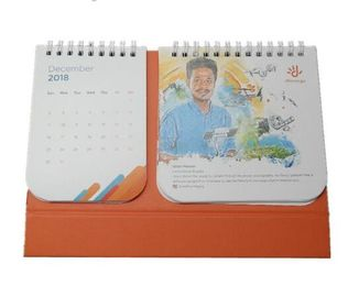 China Promotional Custom Desk Calendar , Art Paper Self Standing Calendar factory